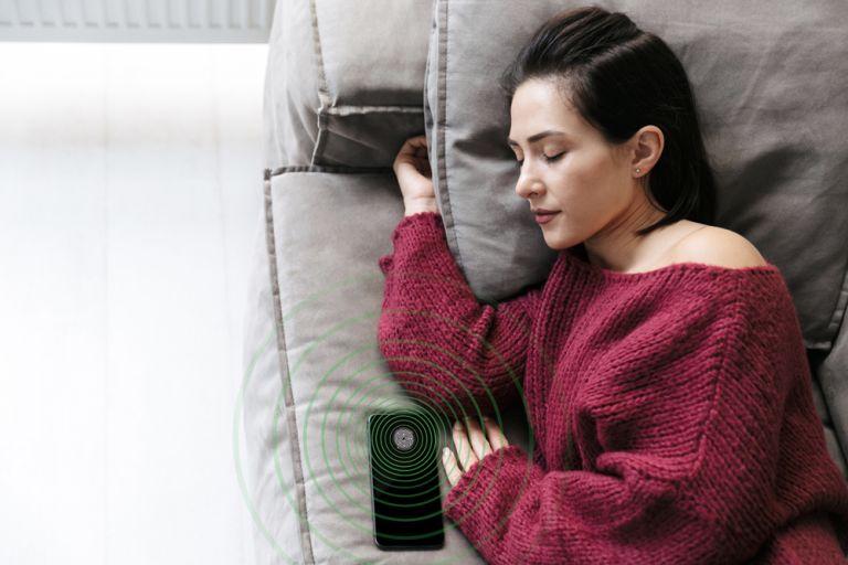 PhoneChip radi čak i noću dok spavaš pored telefona